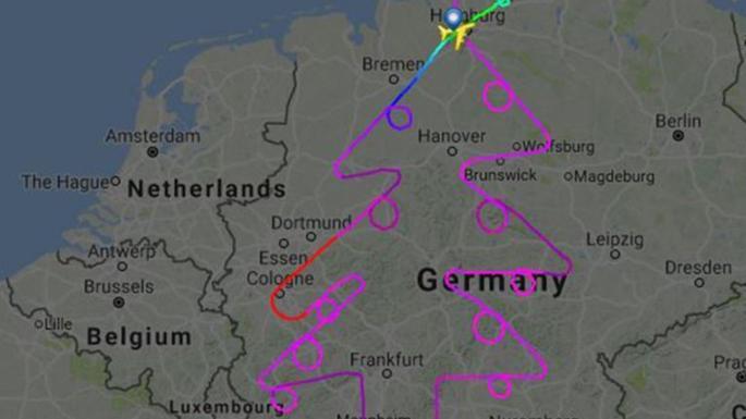 choinka narysowana na mapie geograficznej